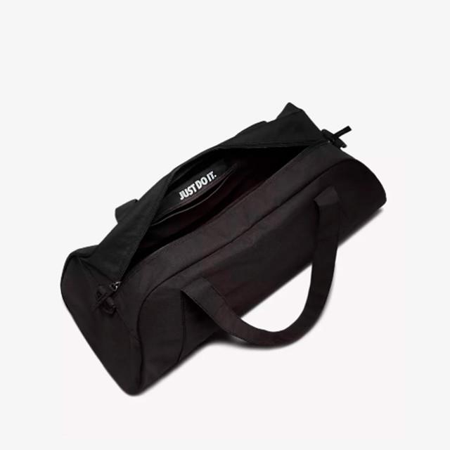 Женская сумка-дафл Nike Gym Club | черный цвет