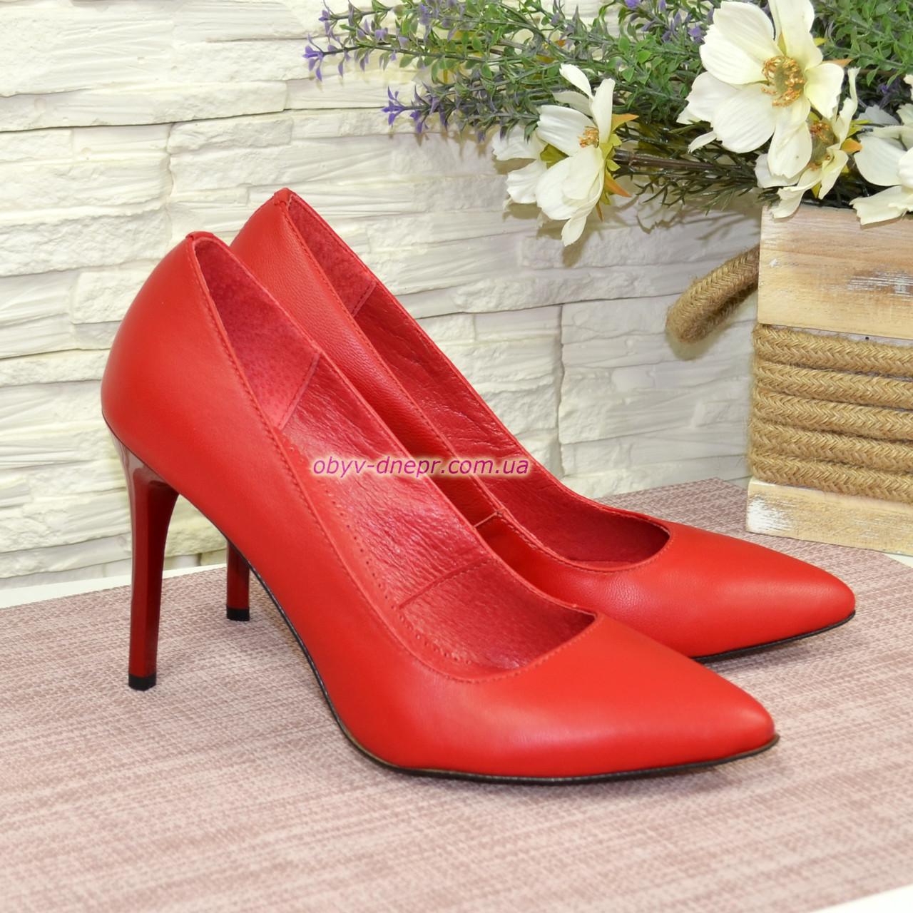 Туфли женские на высоком каблуке, красная кожа