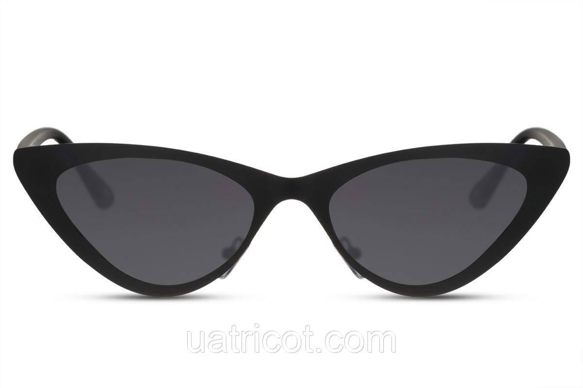 Женские солнцезащитные очки лисички в черной матовой металлической оправе с черными линзами