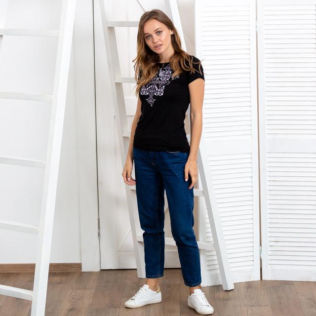 Женская футболка вышиванка Орнамент серебро черная