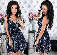 Красивое женское платье из летней костюмки с цветочным принтом