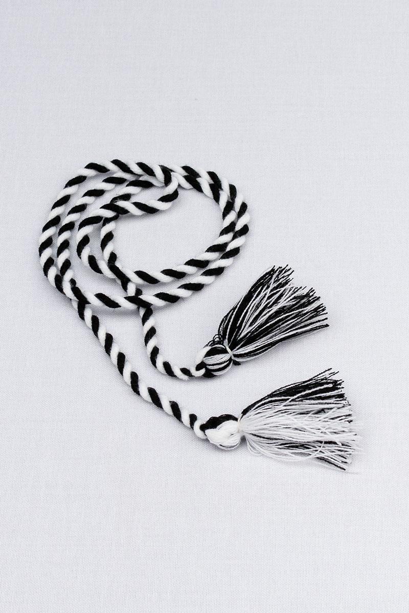 Шнурок с кисточками двухцветный (черно-белый)