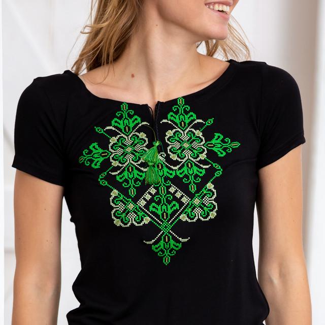 Женская футболка вышиванка Орнамент зеленый черная