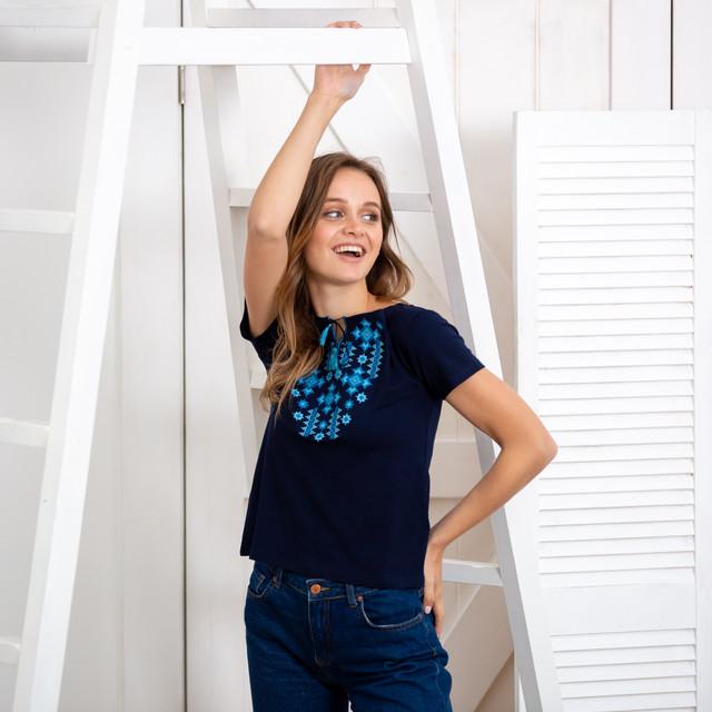 Женская футболка вышиванка Звезды голубые синяя