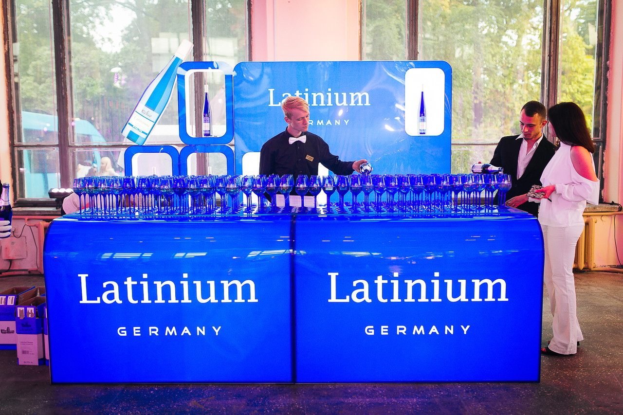 """Выставочный стенд для  всем известного бренда шампанского """"LATINIUM"""""""