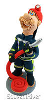 """Статуэтка """"Пожарник с пожарным шлангом"""""""