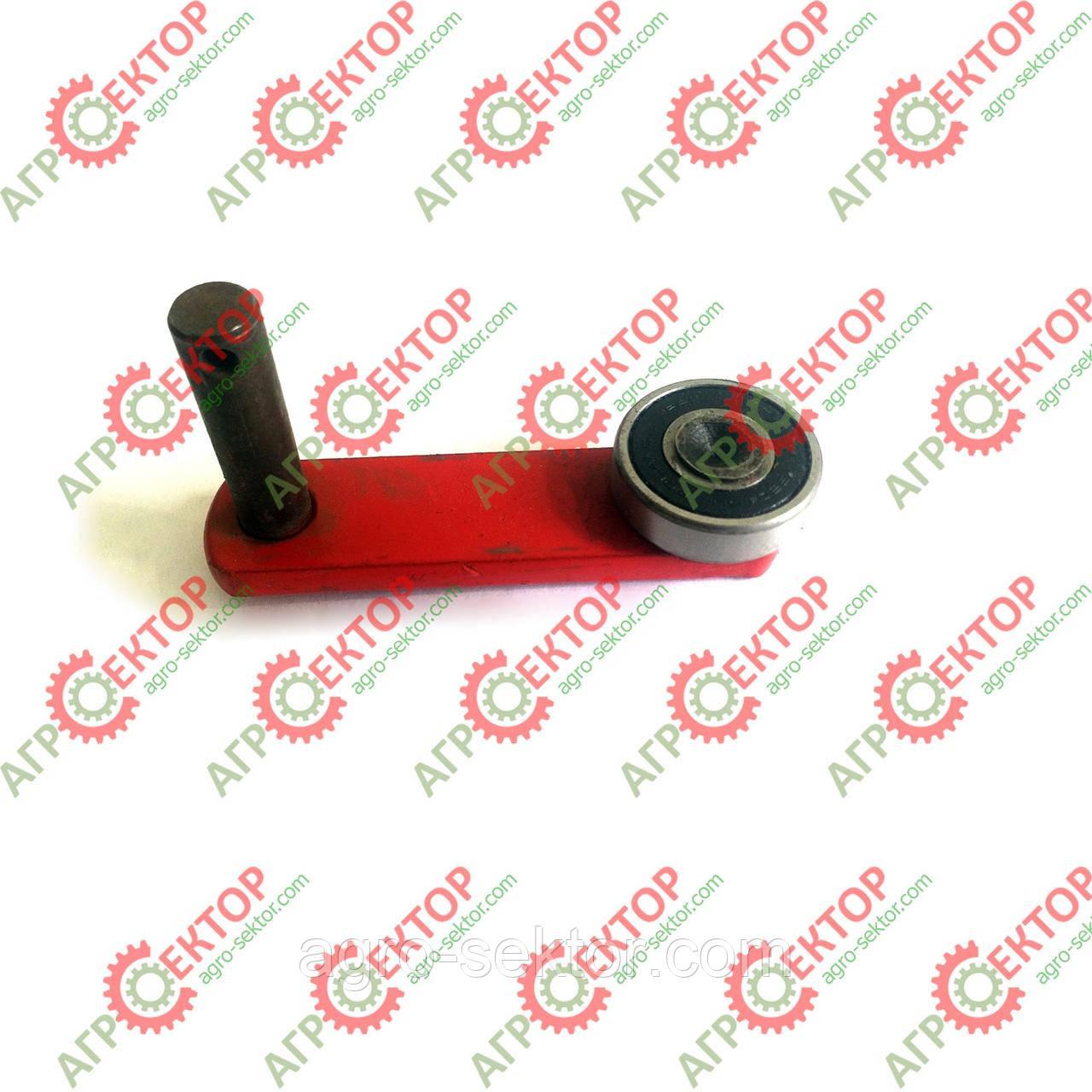 Ричаг механізму включення в'язального апарату прес-підбирача Famarol Z-511 8245-511-008-132