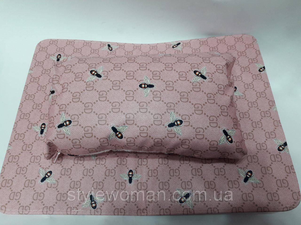 Коврик с подушкой подлокотником для маникюра кожзам шмель