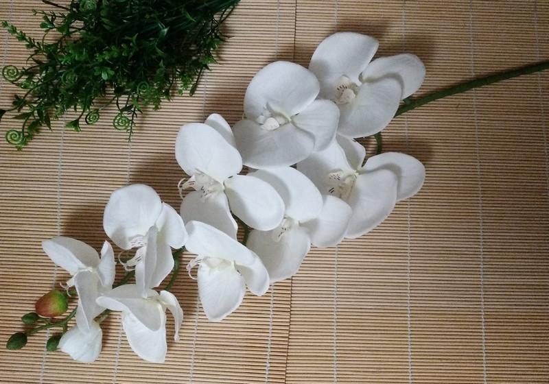 Орхидея силиконовая ,белая. 100 см