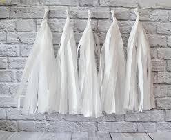 Бумажная гирлянда тассел из кисточек тишью белый ( 5 шт) длина  кисточки 35 см