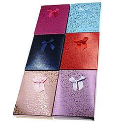 Подарочная коробочка под набор Сердечки с бантом  16,5х12,5х3 см, микс цветов