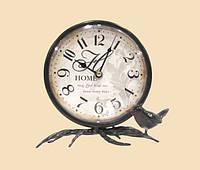 Часы - неотъемлемый атрибут интерьера.