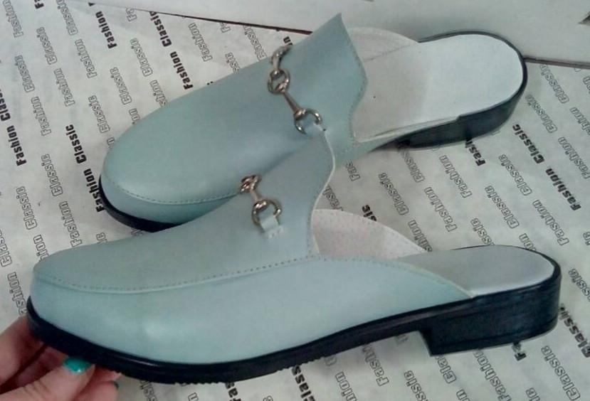 Мюли в стилі Gucci жіночі.! Сабо на низькому ходу з закритим носком Шльопанці Гучи колір блакитний