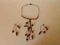 Комплект  из дерева - ожерелье и серьги, авторская бижутерия.
