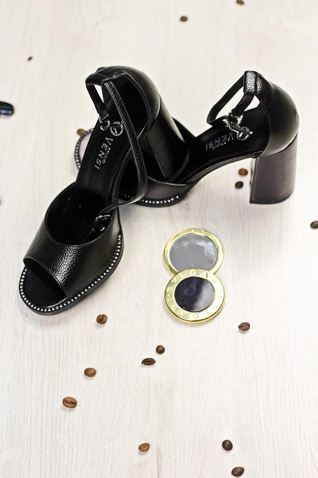 6c6320d88 Почему купить босоножки на широком каблуке стоит именно в Marigo?