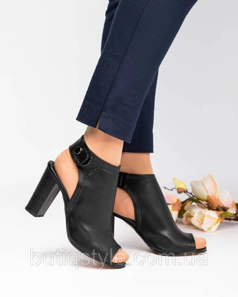 36, 37, 39 размер Женские черные закрытые босоножки на каблуке эко-кожа  2019