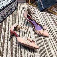 Лакированные туфли-лодочки GUCCI с бантом и заклепками-шипами, фото 1