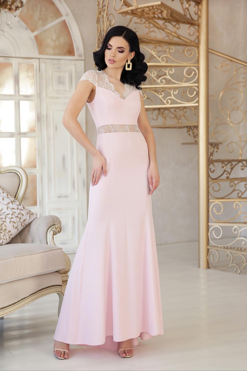 Вечернее платье в пол облегающее к низу расклешенное с коротким рукавом пудра