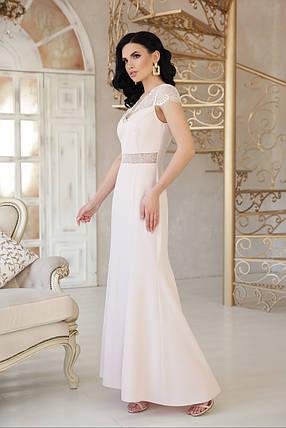 Красивое платье макси приталенное к низу расклешенное с коротким рукавом бежевого цвета, фото 2