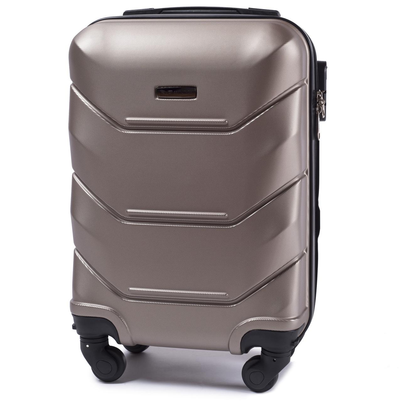 7909fb05fe6b Чемодан пластик мини фирмы WINGS на 4-х колесах (ручная кладь) - MyBag