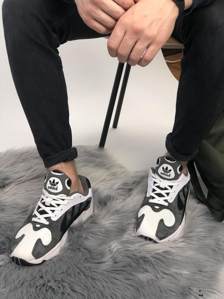 Кроссовки мужские Adidas Yung