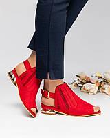 Женские закрытые босоножки красного цвета с золотистым каблуком, из искусственной замши