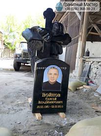 Скульптура ангела из гранита с крестом. Изготовление Киев, установка Николаев. 1