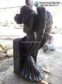 Скульптура ангела из гранита с крестом. Изготовление Киев, установка Николаев. 4