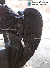Скульптура ангела из гранита с крестом. Изготовление Киев, установка Николаев. 5