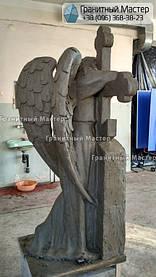 Скульптура ангела из гранита с крестом. Изготовление Киев, установка Николаев. 12