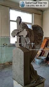 Скульптура ангела из гранита с крестом. Изготовление Киев, установка Николаев. 13