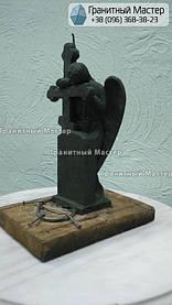 Скульптура ангела из гранита с крестом. Изготовление Киев, установка Николаев. 16