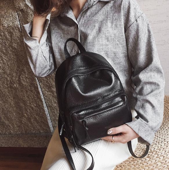 Рюкзак классический PU кожзам женский чёрный с двумя кармашками