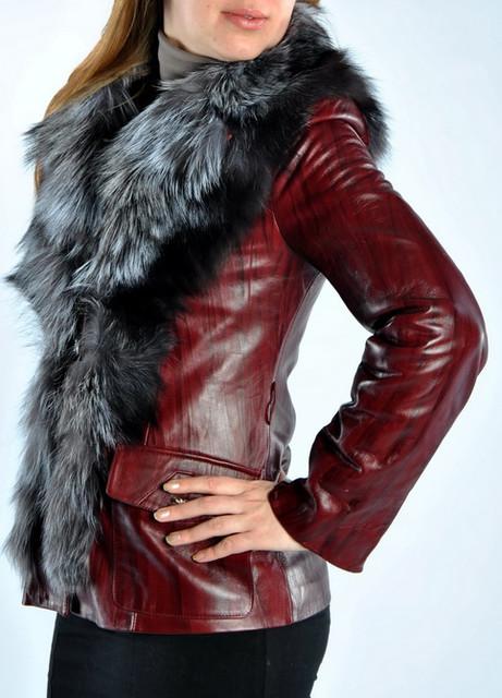 Куртки кожаные женские.