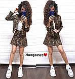 Женский стильный джинсовый костюм: пиджак и юбка-трапеция с леопардовым принтом (расцветки), фото 4