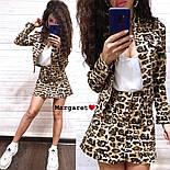 Женский стильный джинсовый костюм: пиджак и юбка-трапеция с леопардовым принтом (расцветки), фото 6
