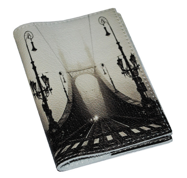 Обложка для паспорта -Мост  в тумане-