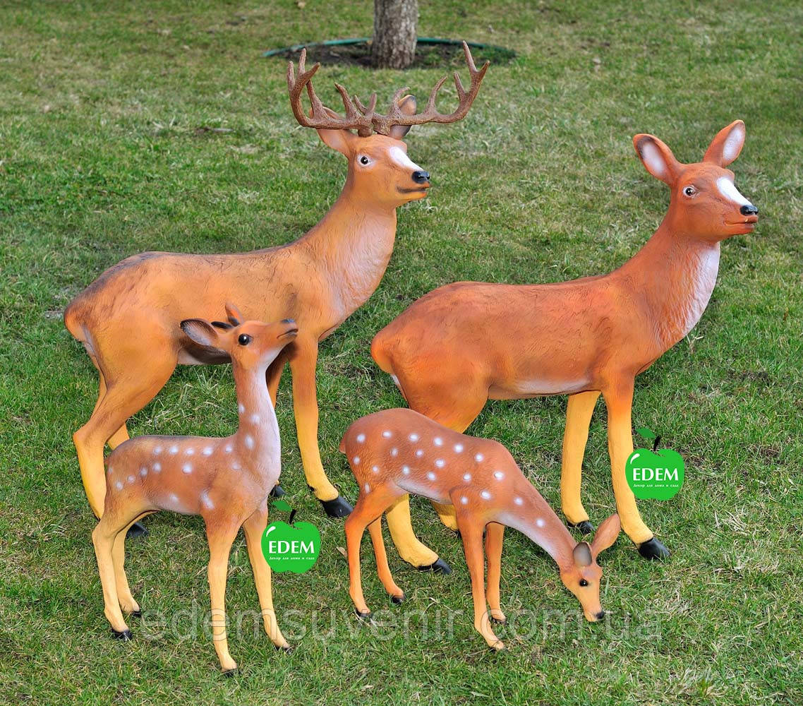 Садовая фигура Семья оленей