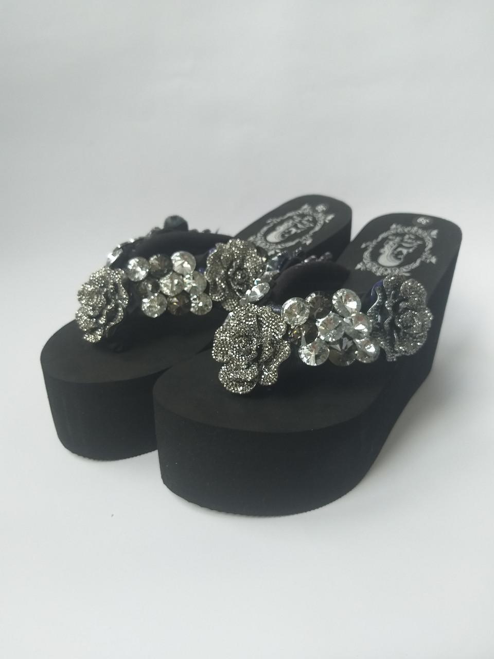 6559562c3 Вьетнамки черные на высокой платформе с цветами и камнями, цена 800 грн.,  купить в Харькове — Prom.ua (ID#951297452)