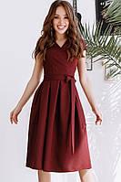 Стильное женское платье миди ниже колена марсала