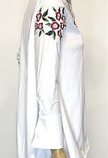 Подовжена біла жіноча сорочка з вишивкою, фото 3