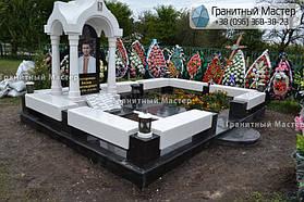 Памятник в виде церкви из мрамора. Полтавская обл., с. Плехов 3