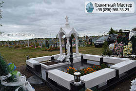 Памятник в виде церкви из мрамора. Полтавская обл., с. Плехов 6