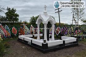 Памятник в виде церкви из мрамора. Полтавская обл., с. Плехов 11