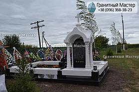 Памятник в виде церкви из мрамора. Полтавская обл., с. Плехов 12