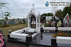 Памятник в виде церкви из мрамора. Полтавская обл., с. Плехов 14
