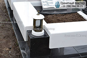 Памятник в виде церкви из мрамора. Полтавская обл., с. Плехов 18