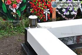 Памятник в виде церкви из мрамора. Полтавская обл., с. Плехов 23