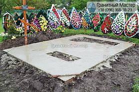 Памятник в виде церкви из мрамора. Полтавская обл., с. Плехов 29