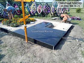 Памятник в виде церкви из мрамора. Полтавская обл., с. Плехов 33